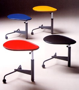 toshiyuki-kita-kick-table.jpg