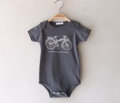 chigo onesie bike print 490x420 Chigo SS 2010 collection for boys