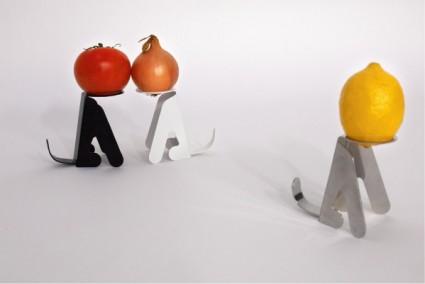 waiting by masakazu hori 1 425x284 Waiting | fruit stands by  Masakazu Hori