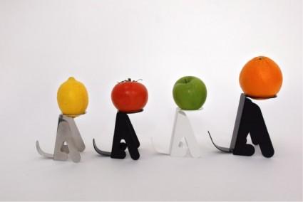 waiting by masakazu hori 2 425x284 Waiting | fruit stands by  Masakazu Hori