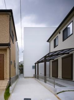 house of slope FujiwaraMuro 238x318 House of Slope by FujiwaraMuro Architects