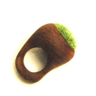mossring 2 318x318 Moss Ring by cometman and kokeya