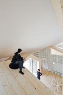 miyamoto3 212x318 Architectural Review Emerging Architecture Awards | Takagi Yoshichika Architects