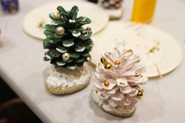 DIY pinecone christmas tree (23)