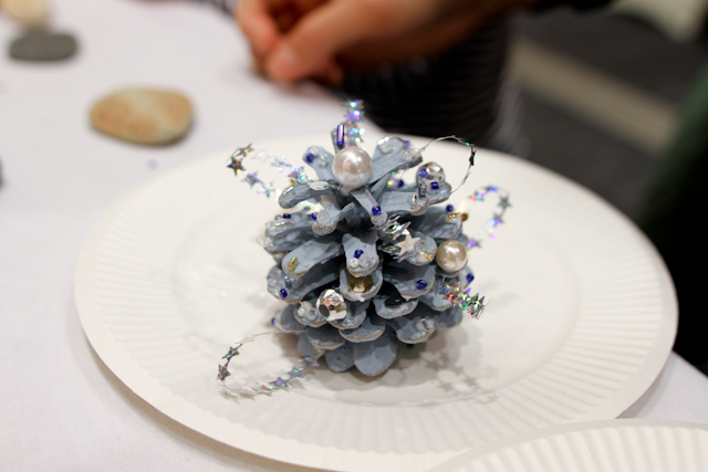 DIY pinecone christmas tree (24)