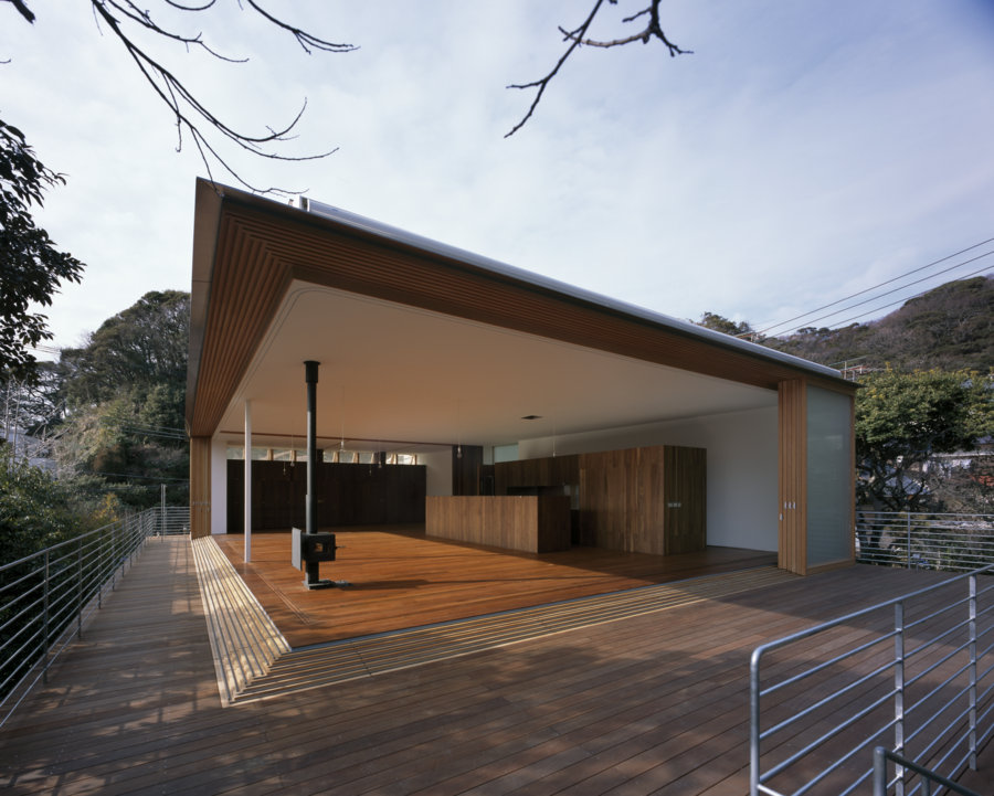 house to catch the mountain by tezuka architects spoon
