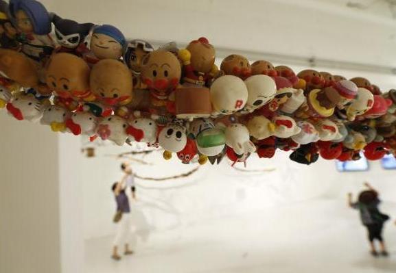 hiroshi fuji kaeru toy installation (4)