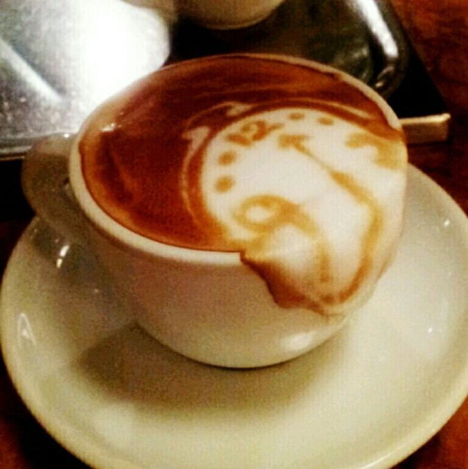 latte art dali clock