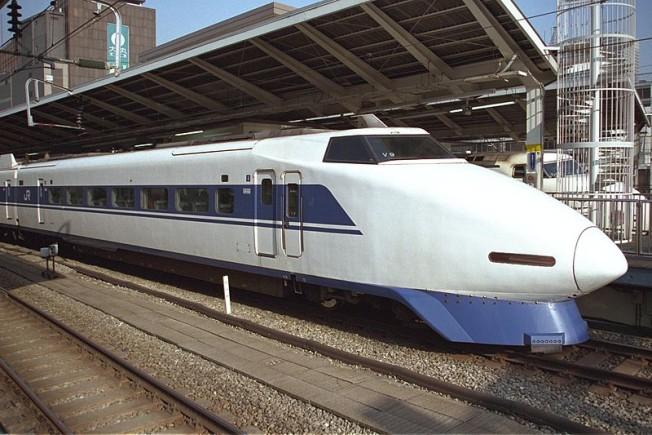 800px-100_V9_Grand_Hikari_Tokyo_199701