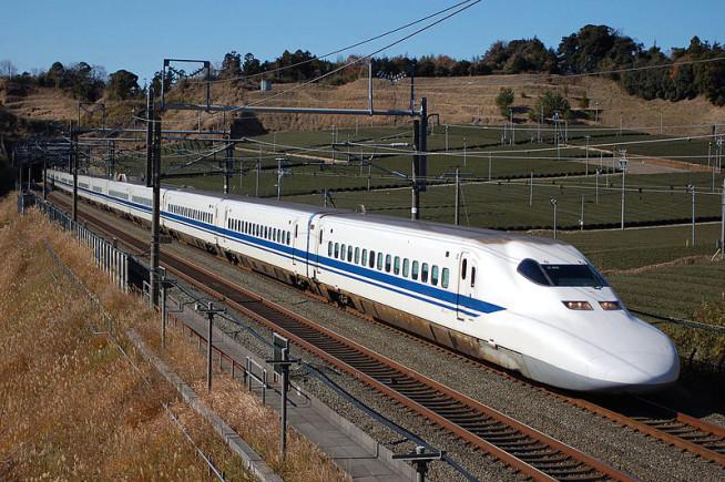 800px-JR_Central_Shinkansen_700