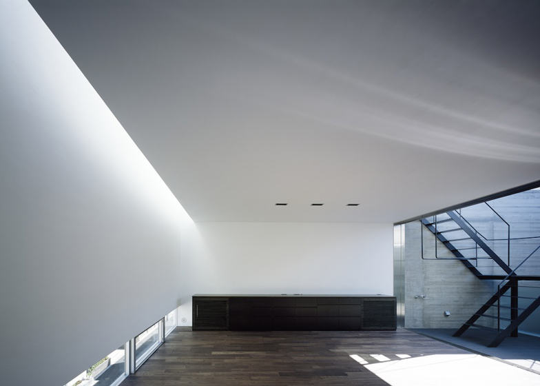 Calm-house-Apollo-Architects (4)