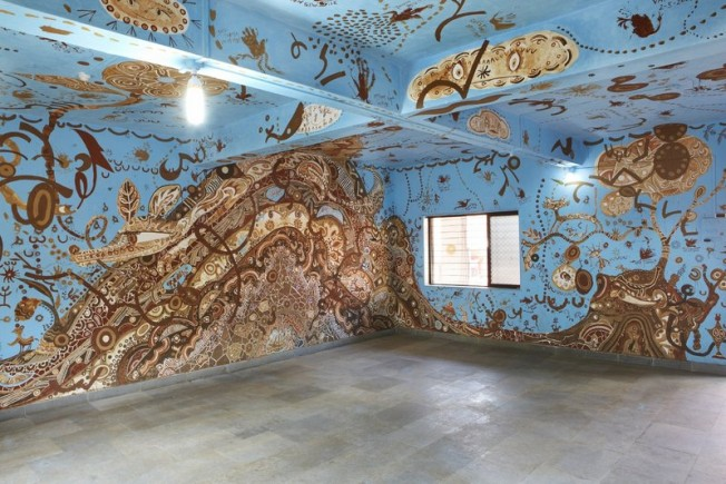 yusuke_asai 'Sprouting life in the forest-Fatherly Tree,  Motherly Mountain'on four walls of a classroom 780cmü~650cmü~300cm 1