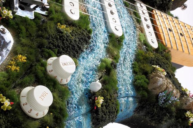 Akihiro Morohoshi miniature worlds