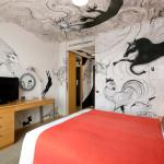 artist-in-hotel (1)