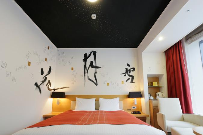 artist-in-hotel (2)