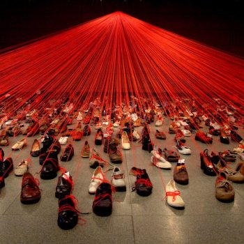Over the Continents: Chiharu Shiota's installation of 400 shoes connected with 4 miles of yarn