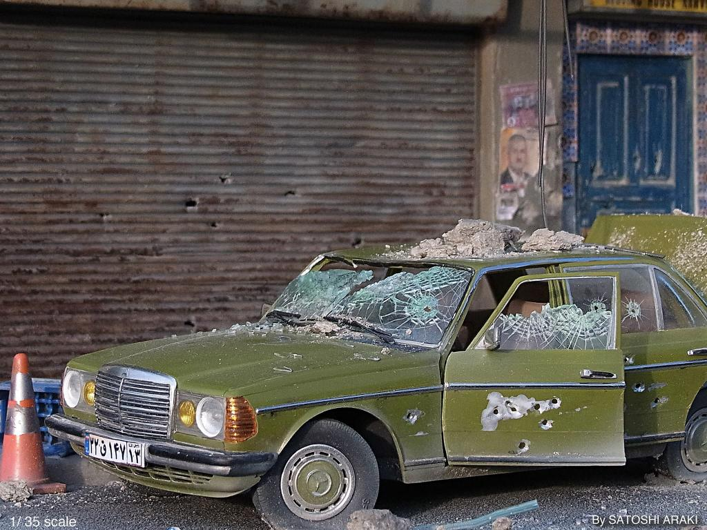 Miniature dioramas of bombed out and littered cites by for Miniature mercedes benz models