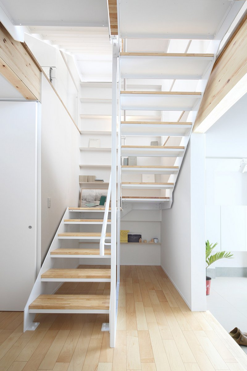 Muji 39 s new prefabricated vertical house for city living for Muji home design
