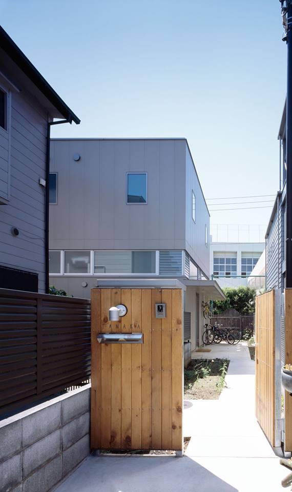 split-house by Naruse-Inokuma Architects (1)