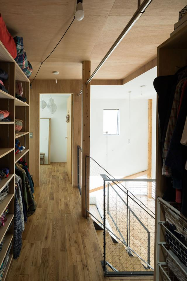 split-house by Naruse-Inokuma Architects (8)