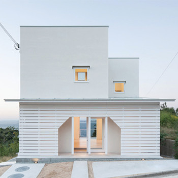 House on Awaji Island by IZUE Architects