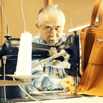 A 110-Year Old Kyoto Canvas Bag Maker Looks Abroad
