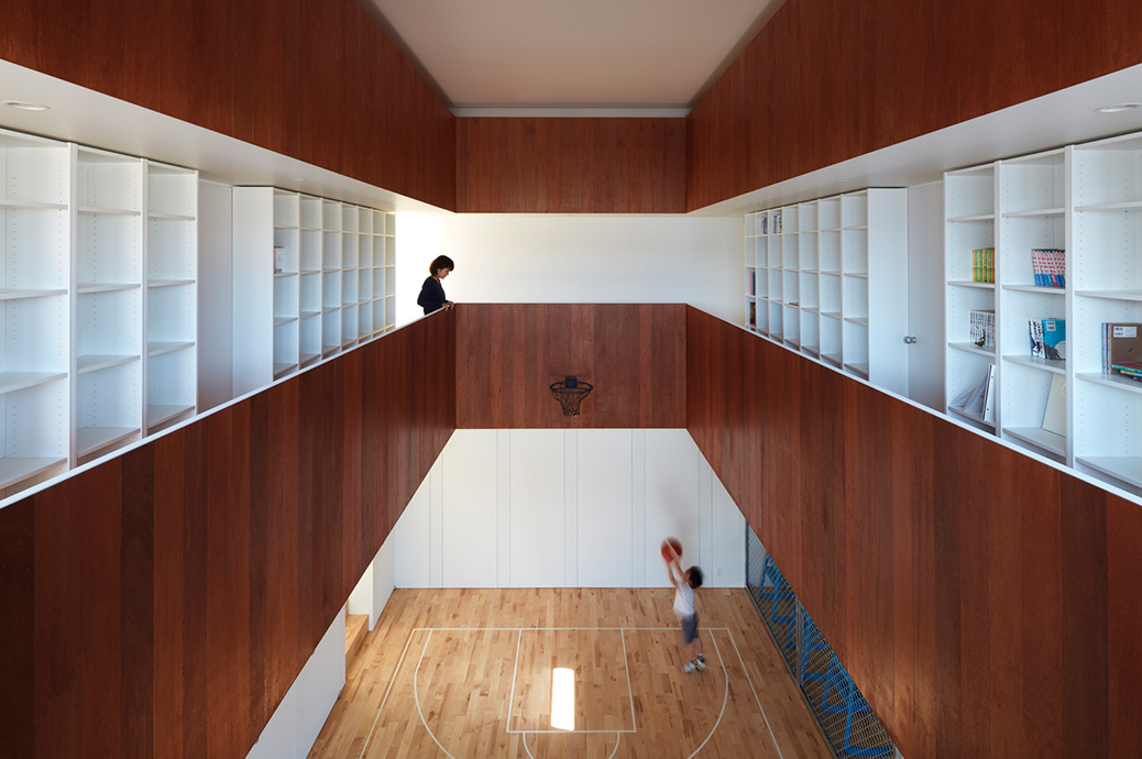 Indoor Basketball Court In House #24: Courthouse_2