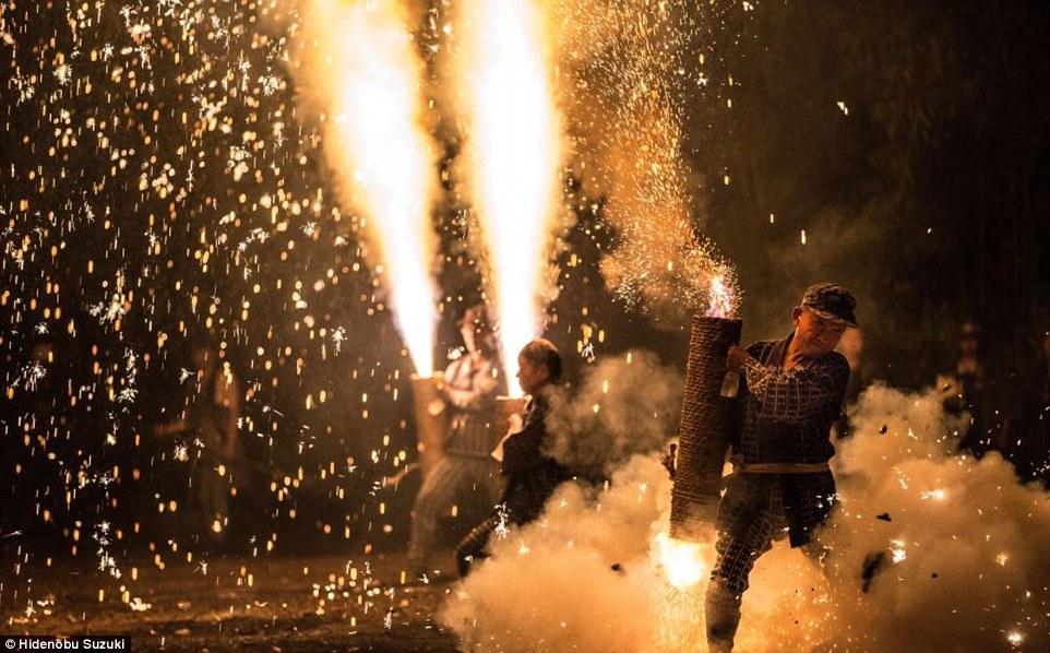 toyohashi gion matsuri fireworks by hide suzuki (10)