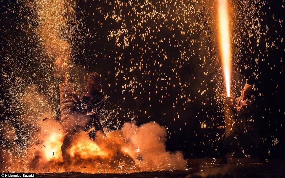 toyohashi gion matsuri fireworks by hide suzuki (4)