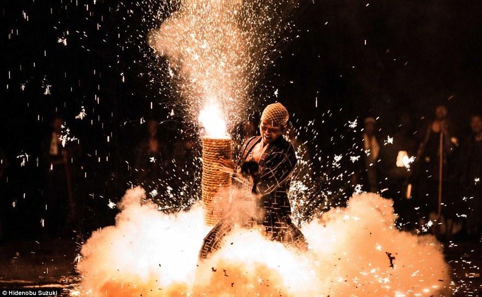 toyohashi gion matsuri fireworks by hide suzuki (5)