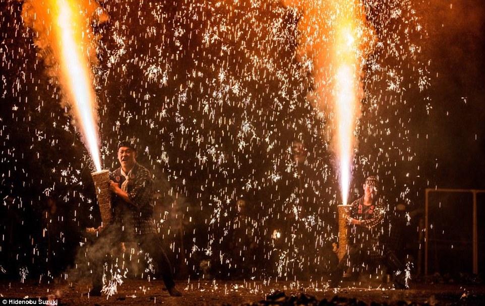 toyohashi gion matsuri fireworks by hide suzuki (9)