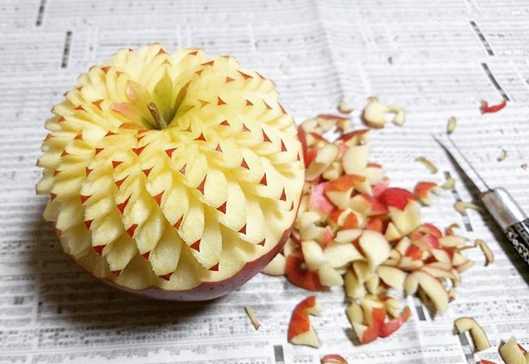 Intricate fruit vegetable carvings by japanese artist