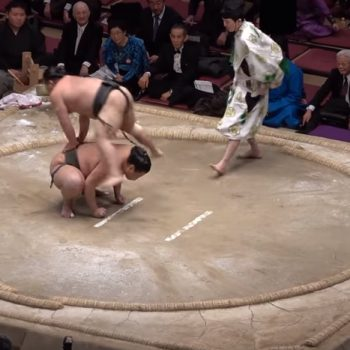 Shokkiri: The Comedy Routine that Portrays Illegal Sumo Moves