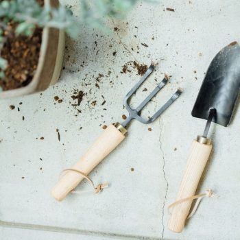 These Japanese Garden Tools Will Make You Want a Green Thumb