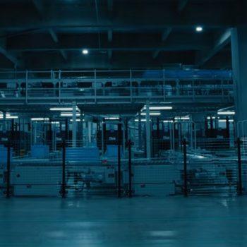 The Terrifying Beauty of Uniqlo's Robotic Warehouse